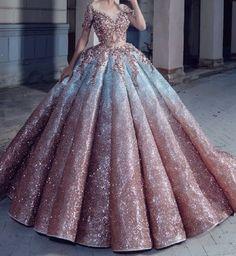 Kleider - ღ sаℓσмé ღ sєrт ღ Informationen zu gowns Pin Sie können mein Profil ganz einfach verw - Debut Gowns, Debut Dresses, Royal Dresses, 15 Dresses, Pretty Prom Dresses, Fairytale Dress, Quince Dresses, Ball Gown Dresses, Ball Gowns Prom