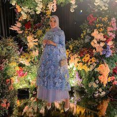Dress Brokat Muslim, Dress Brokat Modern, Kebaya Muslim, Muslim Dress, Kebaya Brokat, Hijab Evening Dress, Hijab Dress Party, Party Gowns, Kebaya Dress