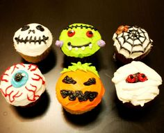Halloween Cupcakes @Megan Winters @Courtney Taylor we should have a Halloween cupcake decorating/scary movie watching night!!!