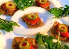 Mamã Paleo: Crackers de Noz-Moscada e Cebolinho com Salmão Fumado