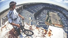 bmx-tyler-fernengel-abandoned-stadium-01