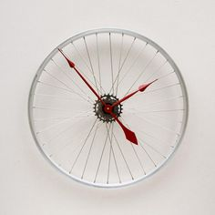 25 Ideas of How to Recycle Old Bicycles Wisely | http://www.designrulz.com/product-design/2012/08/25-ideas-of-how-to-recycle-old-bicycles-wisely/