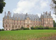 Chateau for sale in France: Châteaux located in Franche Comte, close to Switzerland, for sale at 12,600,000 Euros
