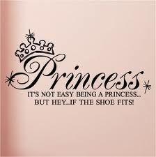Não é fácil ser uma princesa...  Mas ei... se o sapato é seu número...  ;) #footcompany