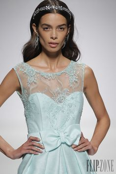 Ana Torres 2015 collection - Bridal - http://www.flip-zone.net/fashion/bridal/the-bride/ana-torres-4732