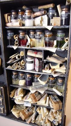 miniature rooms looking glass miniatures // the wall of a very small adventurer's room. Haunted Dollhouse, Haunted Dolls, Dollhouse Miniatures, Miniature Rooms, Miniature Houses, Shadow Box, Magie Harry Potter, Potion Bottle, Tiny World