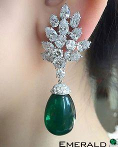 Beautiful pair of emerald earrings