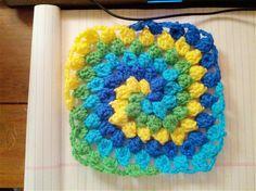 Granny Square Spiral - Media - Crochet Me Tutorial ✿Teresa Restegui http://www.pinterest.com/teretegui/✿