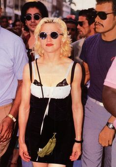 Madonna - Like A Prayer video. Madonna 90s, Madonna Fashion, 90s Fashion, Retro Fashion, Madonna Like A Prayer, Top 10 Hits, Music Icon, Material Girls, Feminine Style