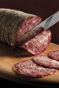 Recipe for homemade pork sausage Pork Sausage Recipes, Homemade Sausage Recipes, Homemade Cheese, Meat Recipes, Cooking Recipes, Homemade Chocolate, Chocolate Recipes, Charcuterie Lunch, Russia Food