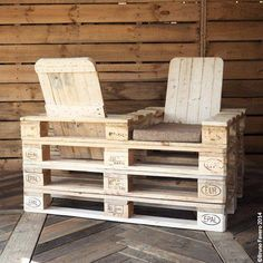 Pallet Love Seat for your porch or patio!