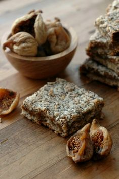 Make breakfast or snack time count with quick prep freezer friendly and power packed gluten free fig breakfast bars! Figs Breakfast, Second Breakfast, Breakfast Bars, How To Make Breakfast, Paleo Breakfast, Gluten Free Grains, Gluten Free Baking, Gluten Free Desserts, Paleo Sweets