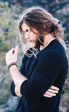 Long hair is a sign of power and freedom. Today, we have so many men rocking the long hair look. Here are 21 Sexiest Long Hairstyles for Men to rock in 2020 Long Messy Hair, Short Hair For Boys, Long Hair Beard, Very Long Hair, Man With Long Hair, Messy Hairstyles, Summer Hairstyles, Long Hairstyles For Men, Viking Hairstyles