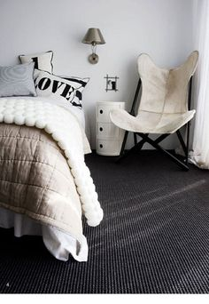 Bedroom inspiration: The pure white wall and charcoal carpet are the same colours used in my own bedroom renovation. Although I'm thinking of buying the Kartell Componibili unit in black rather than decor design Room Grey Carpet, Dark Carpet, Home, Home Bedroom, Bedroom Design, Living Room Carpet, Dark Grey Carpet, Bedroom Inspirations, Bedroom Carpet