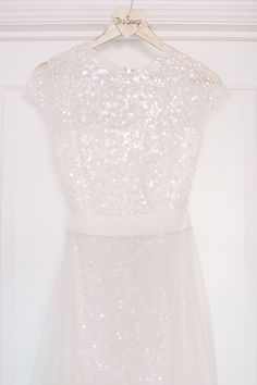 Reem Acra wedding dress #sparkle | Photography: Maggie Harkov - maggieharkov.com