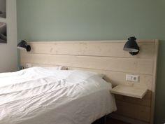 DIY Steigerhouten hoofdbord met nachtlampjes (leen bakker)