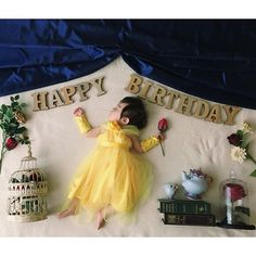 講師になる前に撮りためたもの 1歳の誕生日記念に撮った#おひるねアート テーマは#美女と野獣 ドレスとグローブは#手作り しました * * #おひるねアート部…