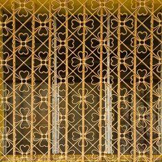 Instagram photo 2017-03-24 04:35:08 🌼🌼🌼 #architecture#architecturephotography#archilovers#singapore#shophouse#townhouse#purple#doorsandwindowsoftheworld#windowlove#interiordesign#exteriordesign#exterior#oldhouse#exploresingapore#sgarchitecture#gf_singapore#cute#prettyhouse#homedecor#windowgrill#建築#家#面格子#窓#鉄格子#老屋顏#老房子#鐵花窗#鐵窗花#鐵花