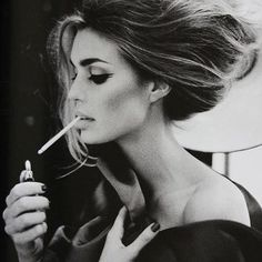 the hair and make up is enough to make it vintage, classy and cool - no need for facinator etc... you just need a good stylist!