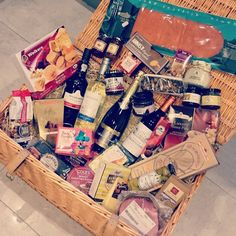 Thanks so much @clonezoneuk for this amazing (& massive!) festive hamper. @sablednah & I are absolutely stunned! Merry Christmas