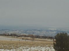 PT 40 JAN 2015 BOISE IDAHO MOUNTAINS IN AN INVERSION LAYER.
