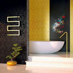 Hydraulic towel warmer Scirocco H Snake made of steel gold-colored made in ItalyViadurini. Towel Warmer, Radiator Cover, Heated Towel Rail, Bedroom Carpet, Bathroom Towels, Birthday Gifts For Her, Radiators, Bathtub, Color Oro