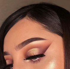 simple makeup looks Makeup Is Life, Glam Makeup, Makeup Goals, Makeup Inspo, Eyeshadow Makeup, Makeup Art, Makeup Inspiration, Eyeliner, Eyeshadows
