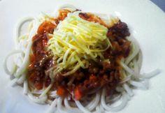Bolognai spagetti passzírozott paradicsommal