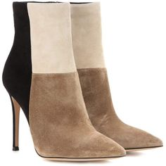 Gianvito Rossi Suede Ankle Boots (€615) ❤ liked on Polyvore featuring shoes, boots, ankle booties, heels, booties, ankle boots, beige, beige ankle boots, short boots and suede ankle booties