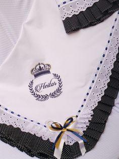 Linda Manta par seu bebê. Feita em tecido Piquet e forro em tricoline 100%  algodão. Com acabamento em bordado inglês e babado em pregas .em tecido  tricoline ... f947c0bcb77