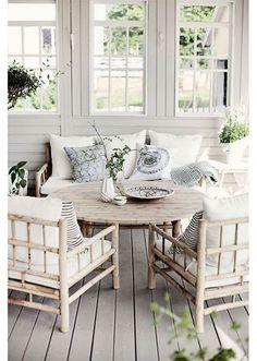 Enclosed Porch. My dream porch. Plus a swing.