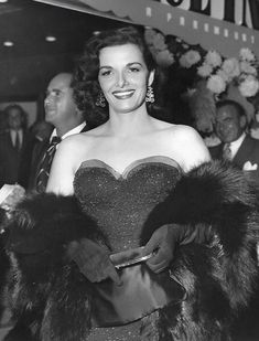 myloveforjane: Jane Russell at the premiere of A. Old Hollywood Stars, Old Hollywood Glamour, Hollywood Actor, Golden Age Of Hollywood, Vintage Hollywood, Classic Hollywood, Hollywood Actresses, Classic Actresses, Female Actresses