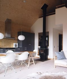 modern alpine cabin in the woods of bruksvallarna, sweden. by stockholm firm ps arkitektur. House Design, New Homes, Interior Design, Little House, Farmhouse Dining, House, Home, Cabin Decor, Interior Architecture Design