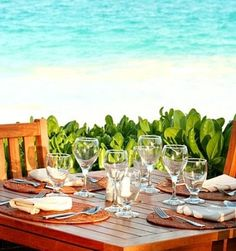 Soon Al Fresco dining will be a reality for me here in Southern New England. Al Fresco Dining, Fun Drinks, Coastal Decor, New England, Tablescapes, Relax, Ocean, Interior Design, Glass