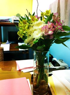 Yellow & pink Alstroemeria flowers with white chrysanthemums to brighten up a week at the office © Gaïa Art Floral