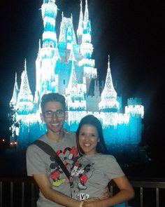 Vivendo um sonho..! 💝💝💝 #DisneyMagicKingdom  #HonneyMoon #MyHusband  #TrueLove