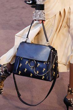 Chloé Fall 2018 Ready-to-Wear Collection - Vogue ecadac17948d1