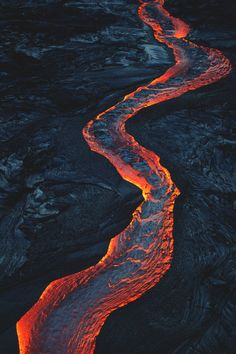Photography of Volcano and Molten Lava Natural Phenomena, Natural Disasters, All Nature, Amazing Nature, Volcan Eruption, Fuerza Natural, Erupting Volcano, Lava Flow, Natural Wonders