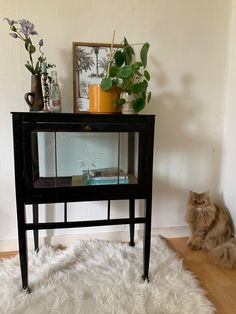 Home And Living, Ideal Home, Thrifting, My House, Entryway Tables, New Homes, Room Decor, Interior, Diy