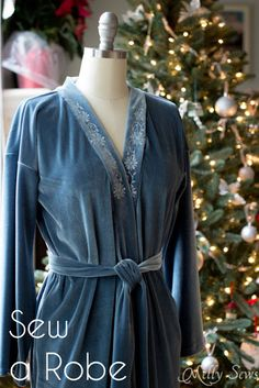 Free 1940's style Easy Robe / Dressing Gown Tutorial from Melly Sews