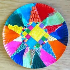 Arts&Crafts project for kids Kindergarten Art Projects, School Art Projects, Craft Projects For Kids, Artists For Kids, Art For Kids, Antonio Gaudi, Primary School Art, 6th Grade Art, Grade 2