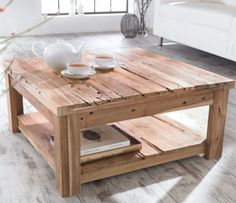old looking table Wooden Pallet Projects, Wooden Pallets, Diy Projects, Couch Table, House Design, Furniture, Home Decor, Content, Schneider
