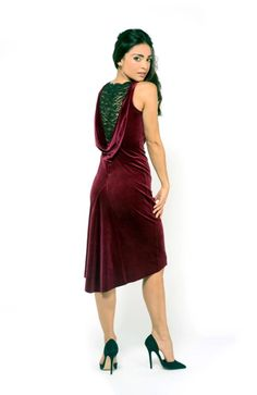 D16 The draped back dress with lace 4