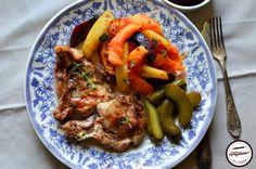 Ceafa de porc cu legume picante la cuptor Thai Red Curry, Meat, Chicken, Ethnic Recipes, Pork, Cubs