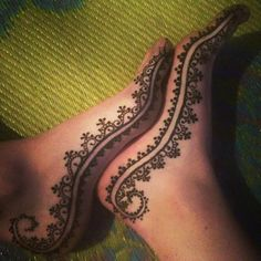 Stunning Henna By Mishelle Side Of Foot #Henna.