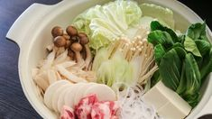 Yosenabe: The Most Simple Nabe Recipe Healthy Japanese Recipes, Japanese Food, Asian Recipes, Soup Recipes, Snack Recipes, Snacks, Nabe Recipe, Clean Eating Recipes, Healthy Eating