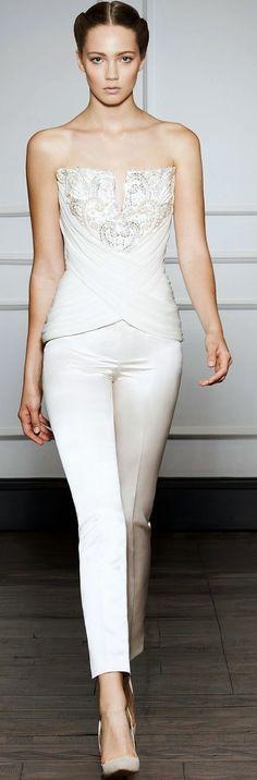 Stiledi: Beyaz Pantolon Nasıl Kombinlenir?