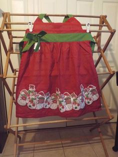 Adorable Apron with Snowmen Holiday NWT Apron By Pier One #PierOne #Snowmen