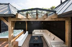 Bubbelbad met dak