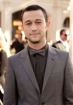 Dang... I don't mean to brag, but my boyfriend cleans up pretty good... Joseph Gordon-Levitt <3